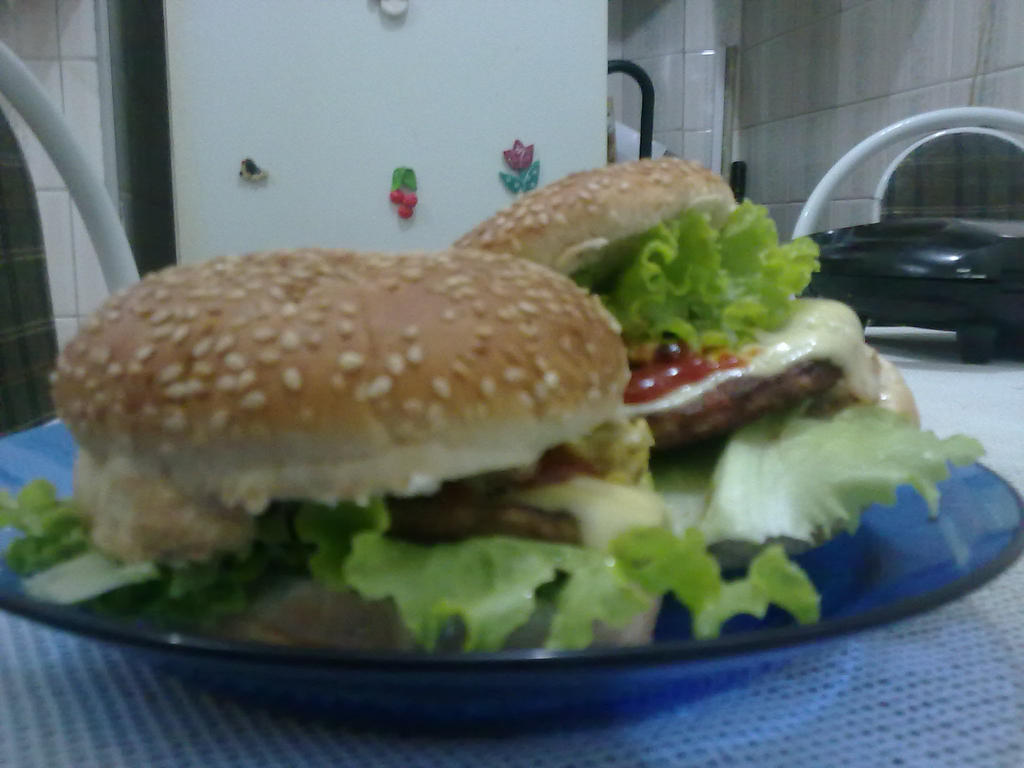 My Lunch of Saturday Night - Ivo Monster Burguer by KazePhotos