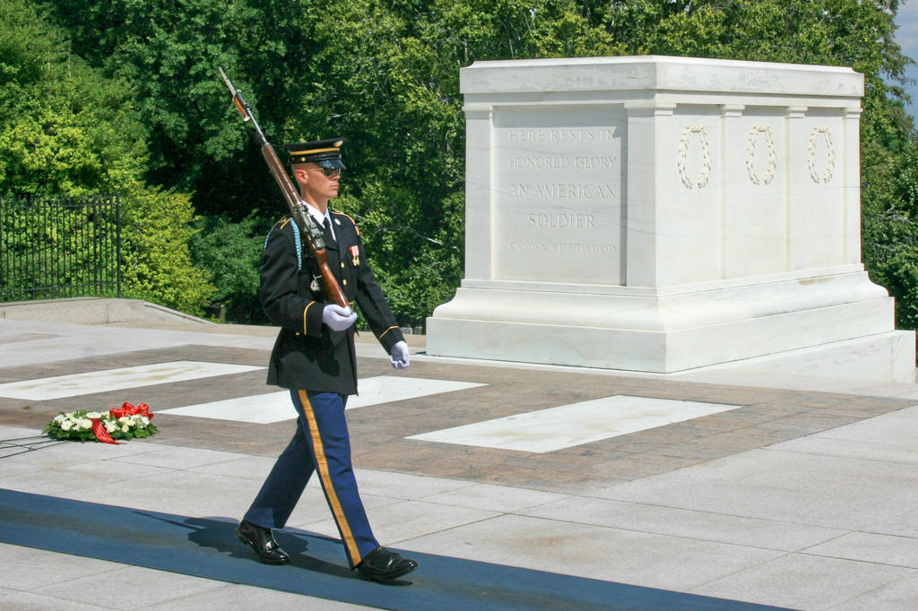 Tomb of the Unknowns by Kippenwolf