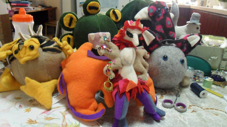 Go Team Monster by oragamiknight