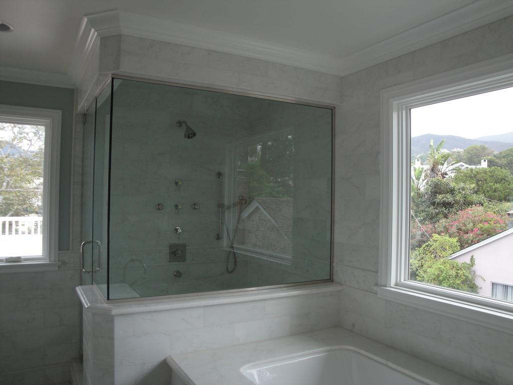 Master Shower Tub 2