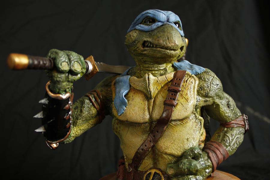 NINJA TURTLE - Leonardo. Sculpted by Micky Betts