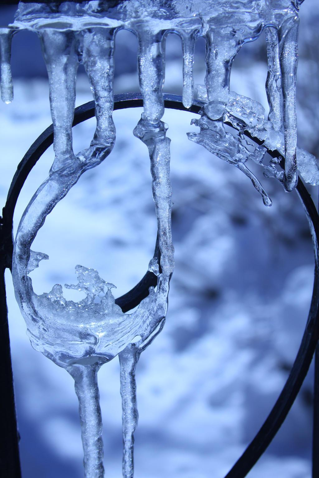 Ice Art.... by wingsofdragons