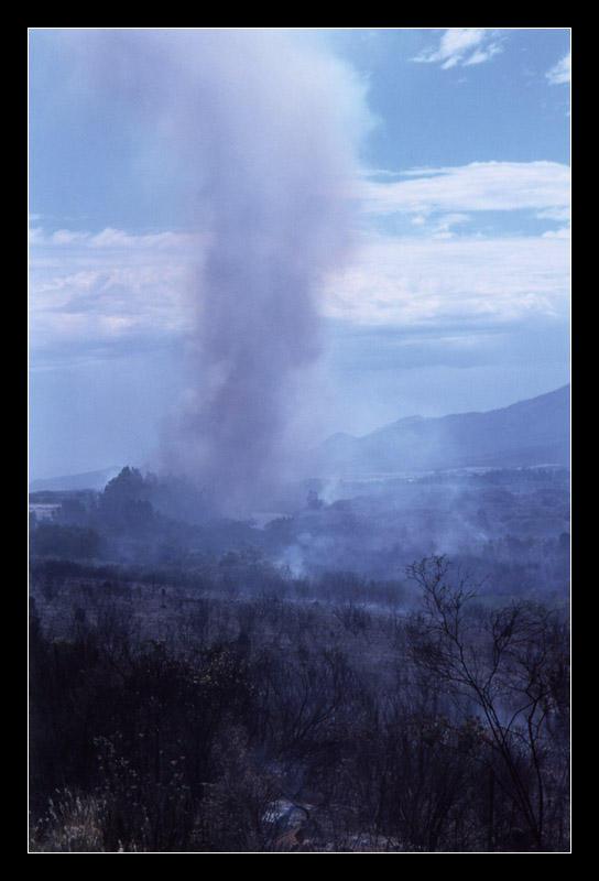 Veldfire at Citrusdal by ash