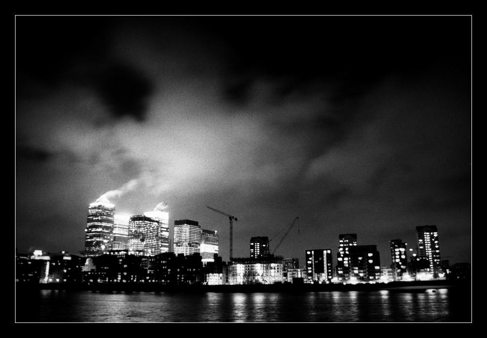 Canary Wharf from Rotherhithe by ash
