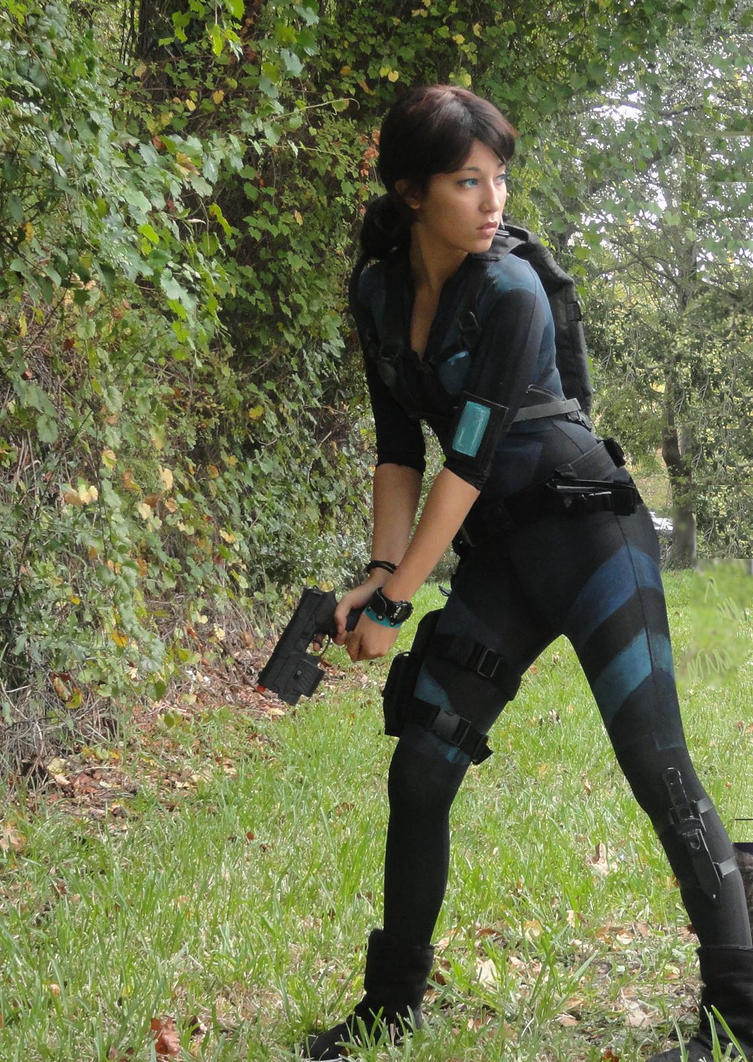 Jill Valentine: RE: Revelations by tinypurplewings