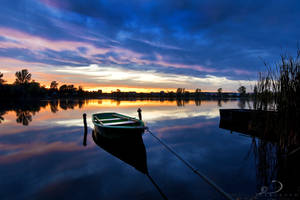 Silent Boat by Linkineos