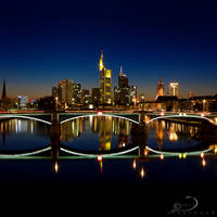 Frankfurt Square by Linkineos