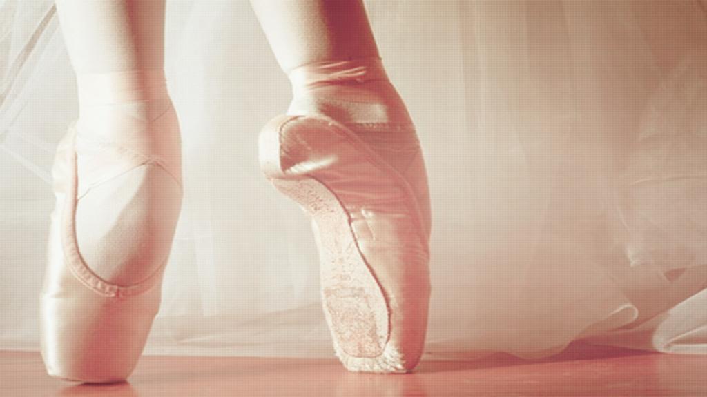 Pink Ballet Wallapaper by tutorialescremita on DeviantArt