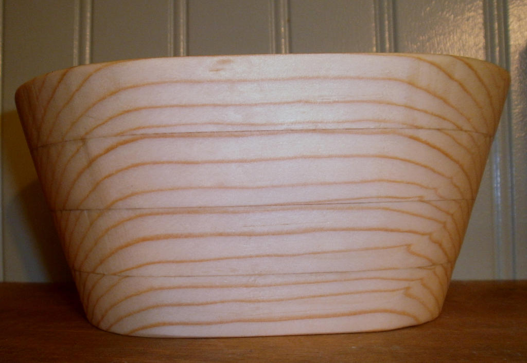 another_scrollsaw_oval_bowl_by_des804-d6