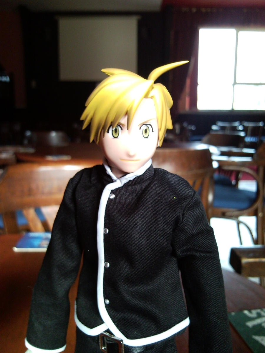 Alphonse Elric RAH Model Pic2 by l3xxybaby
