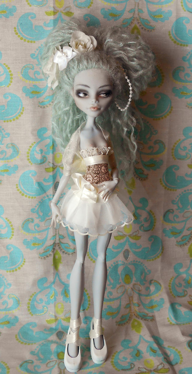 Commissioned Custom Monster High Ghoulia by Kayke