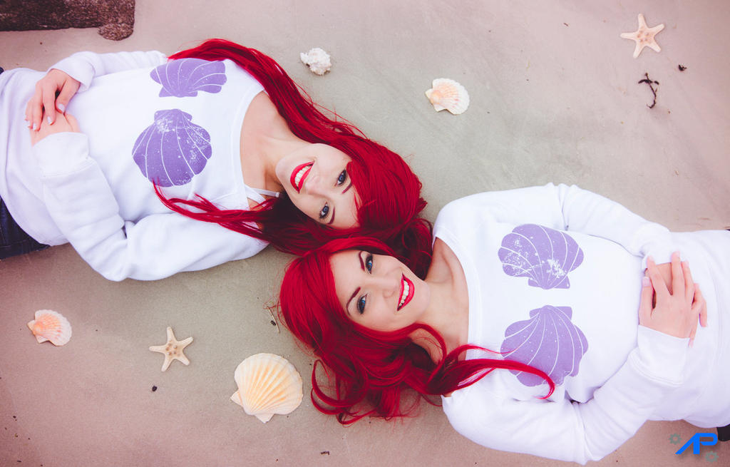 Twins Ariel on the beach by Lily-on-the-moon