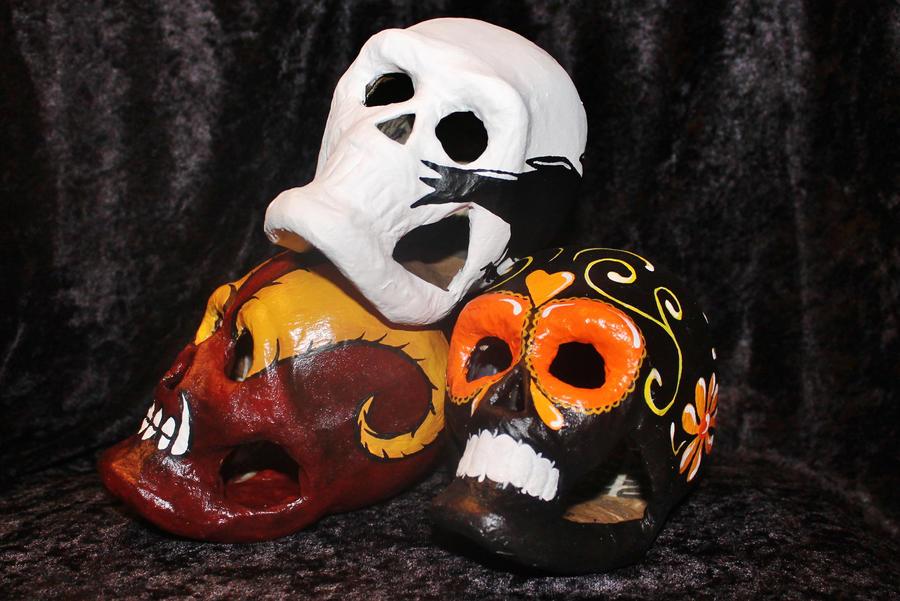 Paper Mache Skulls by wetcanvas