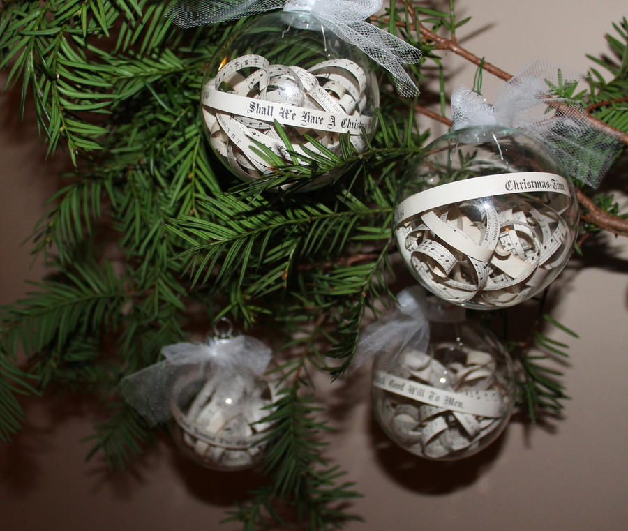 Set Of 4 Family Christmas Carolers: Set Of 4 Christmas Carol Ornaments By Wetcanvas On DeviantArt