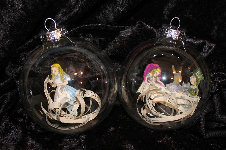 Set of 2 Alice in Wonderland Ornaments by wetcanvas