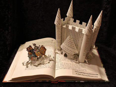 Welcome to Oz Book Sculpture