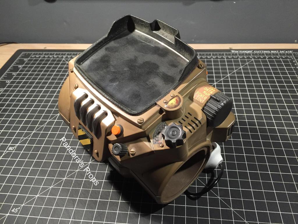 Fallout 4 Pip-Boy Repaint by Press-X-Props on DeviantArt