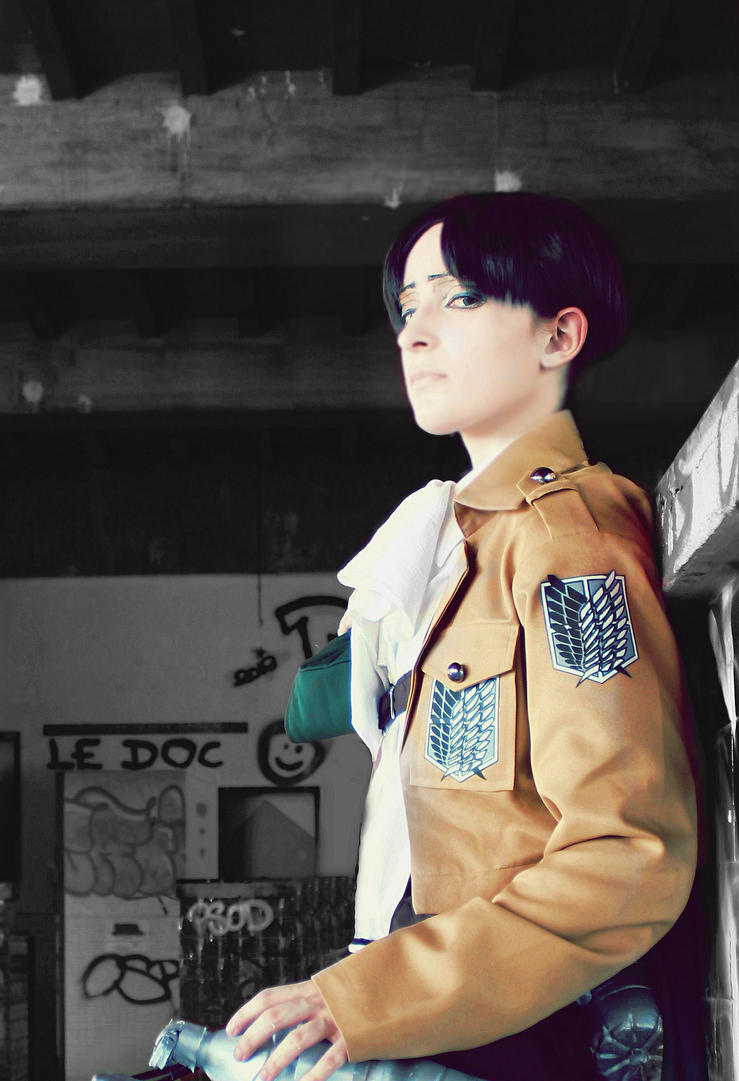 Levi - Shingeki no kyojin cosplay by AlicexLiddell