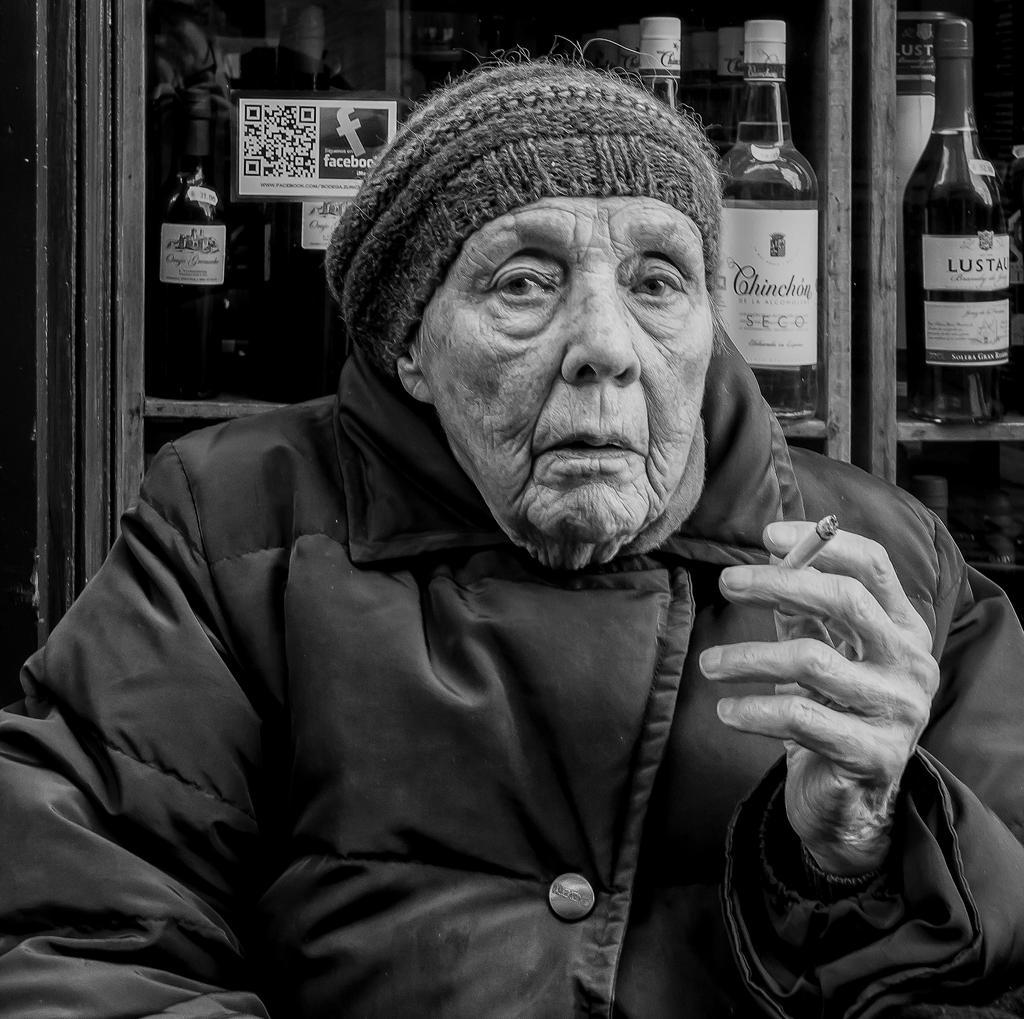Smoking lady in Zurich by Goran1948