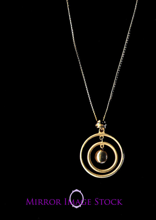 Concentric Circle Necklace by mirrorimagestock