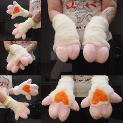 Multiple Cow Parts Order: The Mitten 3 Hoove Hands