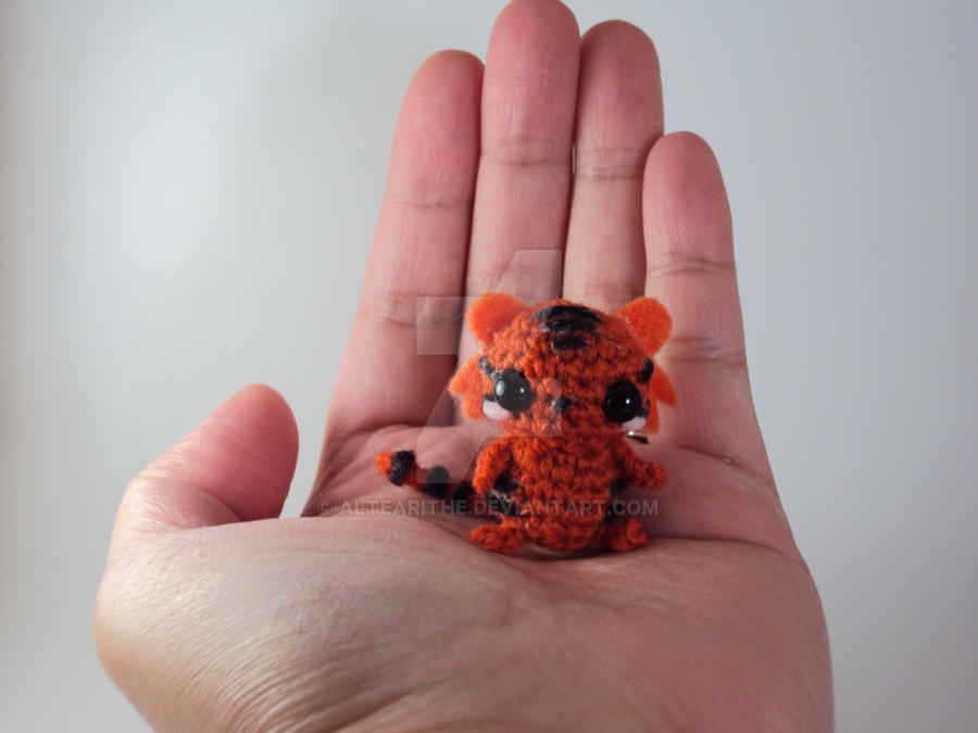 Tiny Amigurumi Tiger - Orange Version by altearithe