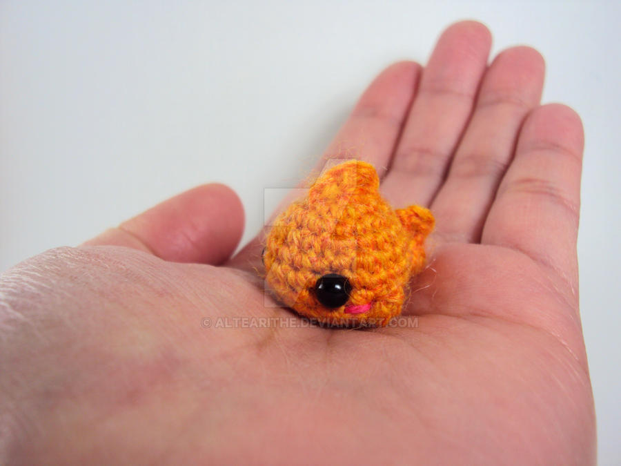 Amigurumi Goldfish : Mini Amigurumi Goldfish by altearithe on DeviantArt