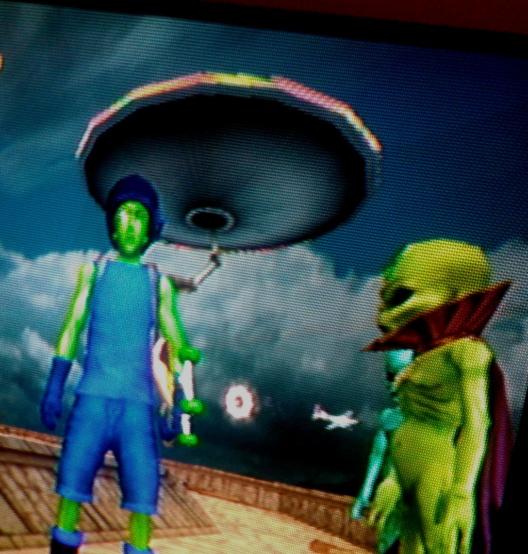 Emperor Xizzle Meets THUG2 Alien Leader by TwistedDarkJustin