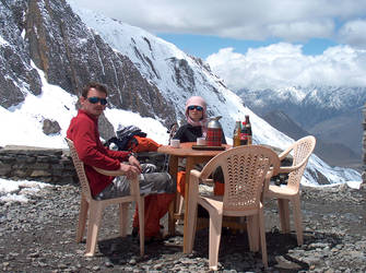 Black Tea Above Muktinath by tinte