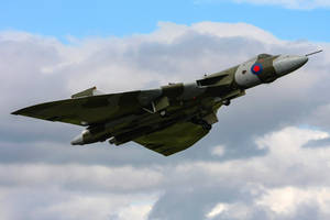 Avro Vulcan B2 by Daniel-Wales-Images