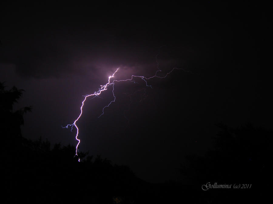 lightning by Gollumina