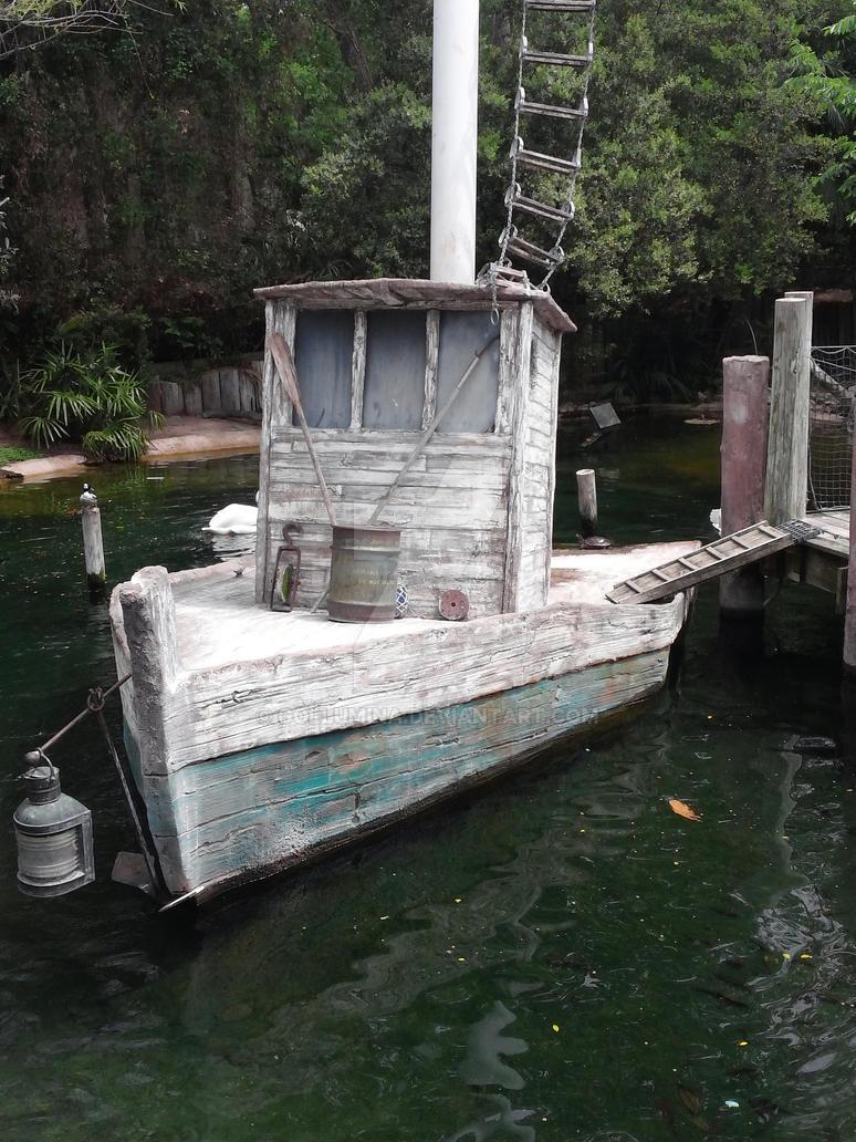 Old Boat by Gollumina