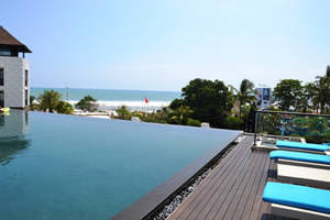 Pullman Infinity Pool by winampers-pro