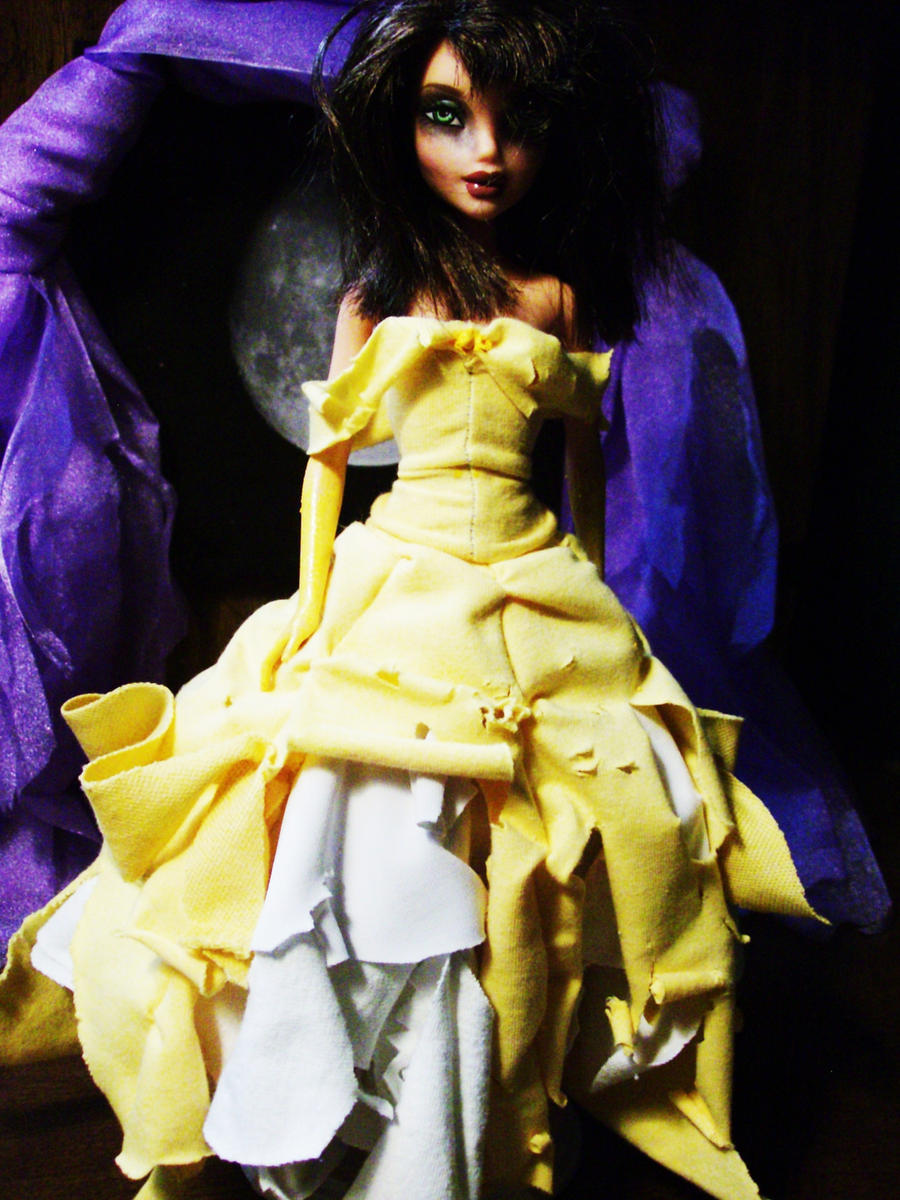 HALLOWEEN: Belle by PinkUnicornPrincess