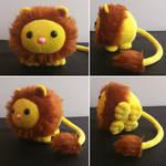 Round critters - Lion plush