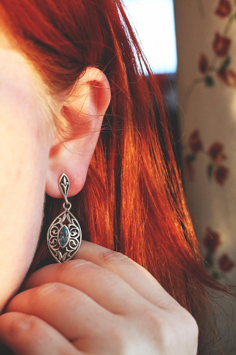 Luna earring by LucreciaMortishia