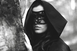 Mysterious woman by LucreciaMortishia