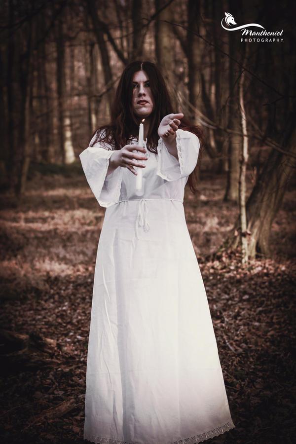 Lucia.. by LucreciaMortishia