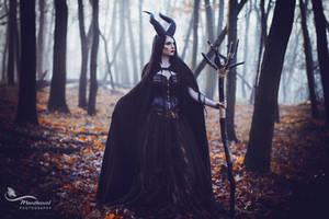 Maleficent- Black Queen by LucreciaMortishia
