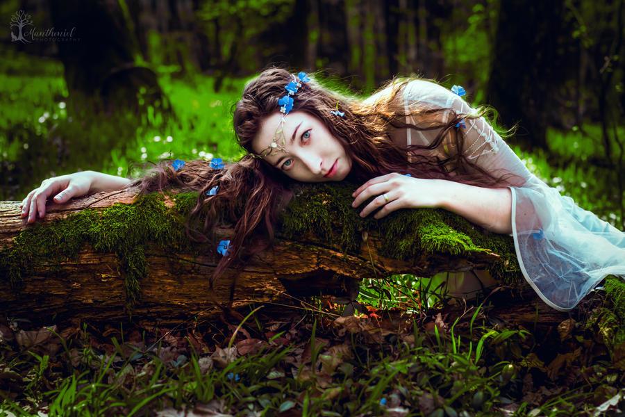 Spring Elven queen by LucreciaMortishia