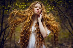 Vesna by LucreciaMortishia