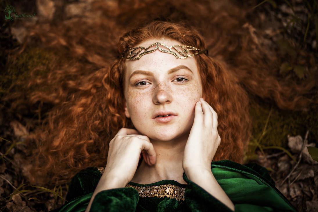 Ginger Elf by LucreciaMortishia