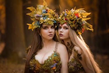 Autumn Sisters by LucreciaMortishia