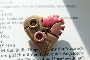 Steampunk heart brooch gear wheel by Sakiyo-chan