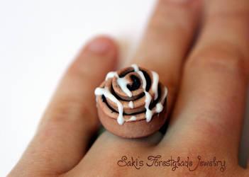 Zimtschnecke/Nussschnecke - cinnamon roll Ring by Sakiyo-chan