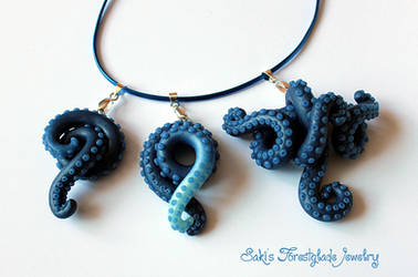 Tentacle necklaces blue glimmer by Sakiyo-chan