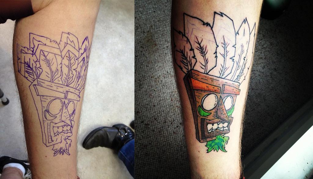 Aku aku fanart tattoo by supermanosbros on deviantart for Crash bandicoot tattoo