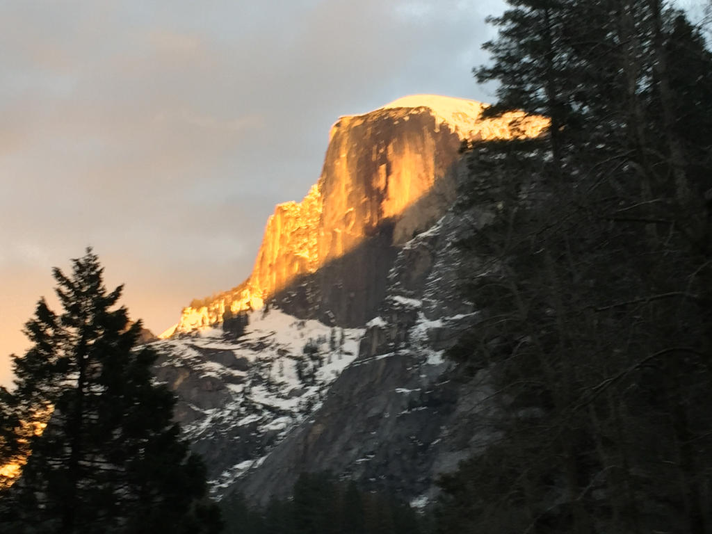 Alpin Glow on Tisiack 2 by Yosemite-Stories