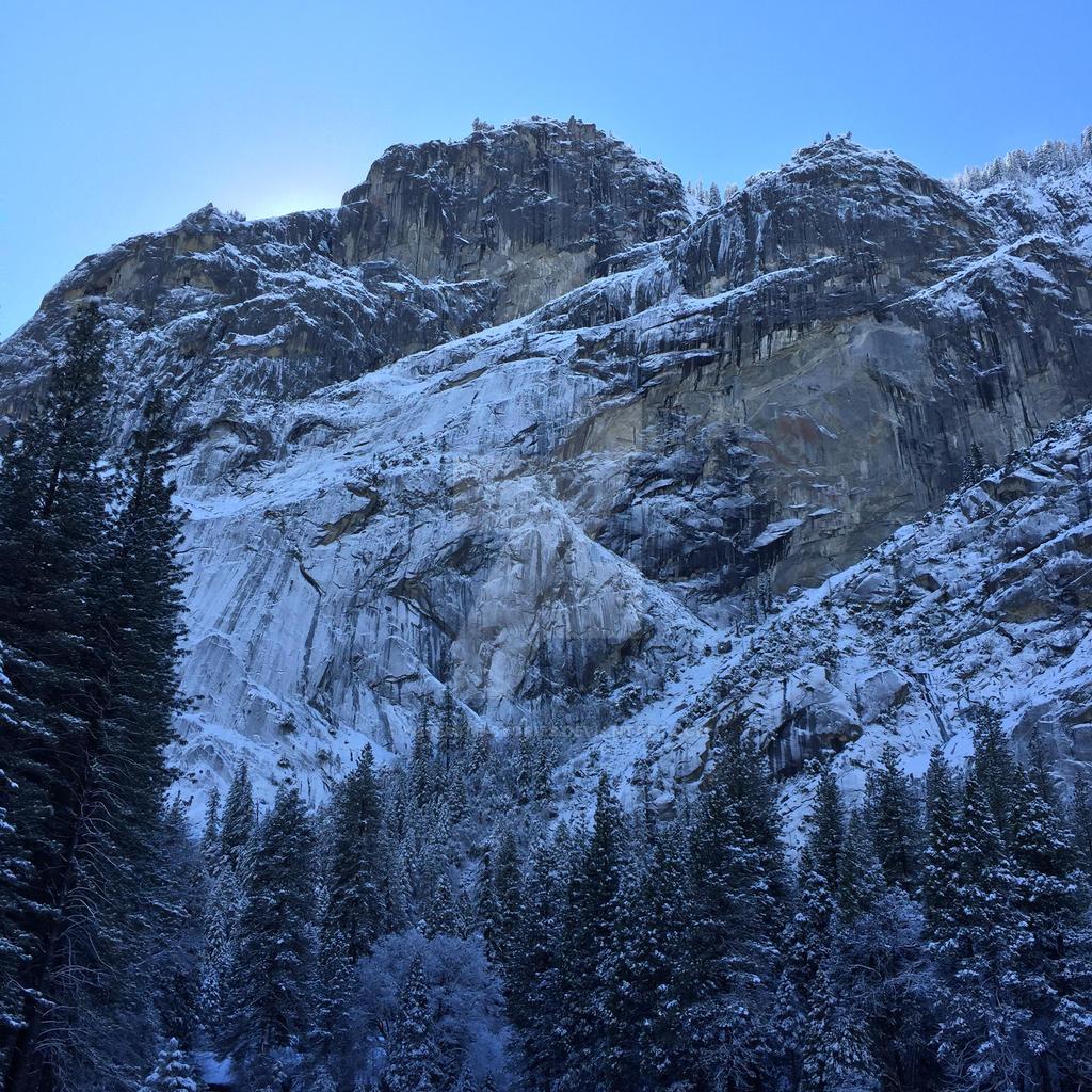Glacier Point Sunrise by Yosemite-Stories