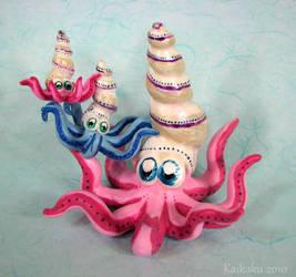 Squidly Little Family by kaikaku